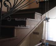 Облицовка бетонной лестницы дубом кованное ограждение