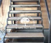"""КП""""Кембридж"""" металлические лестницы на заказ"""