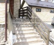 Лестничное ограждение из сосны (деревянное) на заказ