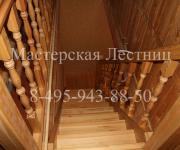 Фотография деревянные лестницы из лиственницы покрытые лаком и с тонировкой