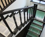 Деревянные лестницы из лиственницы деревня Покровское Истринский район