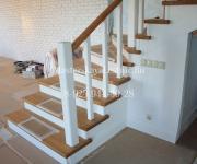 Деревянные лестницы из Лиственницы - «Западная Долина» Архитектурный пригород на Киевское шоссе