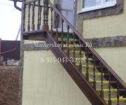 Наружная лестницы из лиственницы для вашего загородного дома