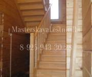 П образная лестница из сосны на 180 поворот с площадкой