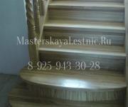 Деревянные лестницы из дуба коттеджный поселок Клубничные Поля Москва