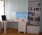 Письменный стол на заказ и система хранения для девочек