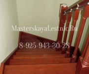 Фотография деревянные лестницы из бука тонированная в цвет и покрытая лаком